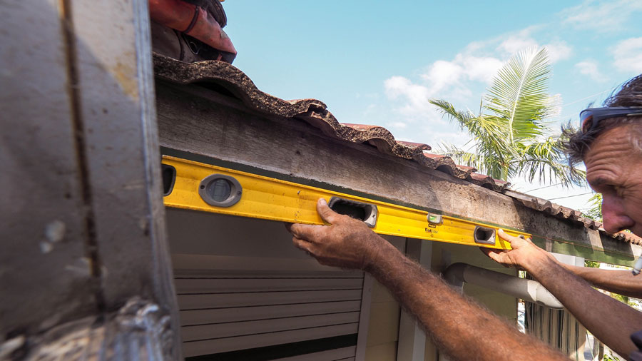 Sunshine Coast gutter replacement assemble work platforms