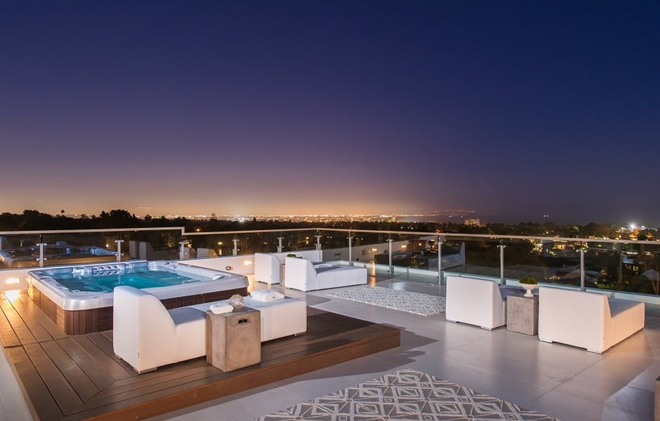 Spa Roof Deck